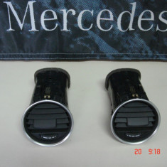 Mercedes C Class W204, 2012, Grile ventilatie - A2048306254 si A2048306354 - Bord auto