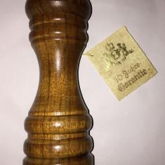 Bucatarie - Rasnita zassenhaus manuala pt sare sau piper din lemn nou 18cm