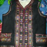 Costum populare, Marime: 50, Negru - Pieptar traditional barbatesc 2 randuri de flori negru