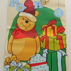 Ornamente Craciun - Plasa mare de cadouri, model de Craciun, Winnie the Pouh, punga cadouri, pungi cadouri, incapatoare