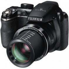 Aparat Foto Fujifilm FinePix S4200 - Aparat foto digital Fujifilm FinePix S4200, 14MP, Black, Card 4GB, Geanta