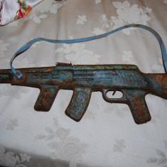 Jucarie de colectie - Superb pistol mitraliera comunista de jucarie pentru colectiunari
