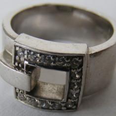 Inel argint - Inel vechi din argint cu 13 pietre albe - de colectie
