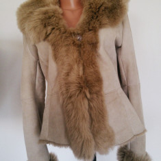 Palton dama, Piele - Cojocel blanita naturala, bej deschis, stare impecabila, marime S-M