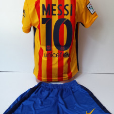 Set echipament fotbal - Echipamente sportive copii FC.Barcelona Messi compleu fotbal model nou 2016
