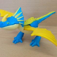 Miniatura/Figurina - Figurina, plastic, dragon Stormfly, din filmul Cum sa iti dresezi dragonul, jucarie Happy Meal McDonalds 2014; sigilata; Germania, colectie