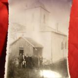 Fotografie - Preotul Zamisnicu ( mort in inchisorile comuniste) 1940 langa Biserica cu lt. Mavrodin cu fam.- cu dedicatie si autograf