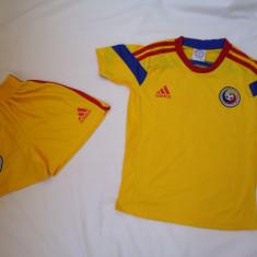 Set echipament fotbal Adidas - ECHIPAMENTE FOTBAL ROMANIA, COPII 12-15 ANI, LIVRARE GRATUITA