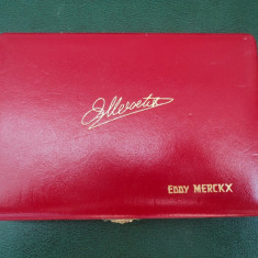 Caseta / cutie pentru 2 monede, rosie, Eddie Merckx