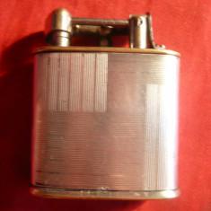 Bricheta veche pe benzina, Marca RMS, dim.= 4, 5 x 3, 7 cm - Bricheta Cu benzina