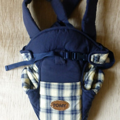Marsupiu / port bebe Tomy Classic; 0-12 luni, maxim 9 kg; impecabil - Marsupiu bebelusi