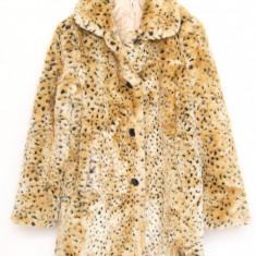 Haina blana artificiala femei Mark & Spencer, Marime: 40/42, Culoare: Camel, Poliester