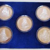 IEFTIN!!! 2001 - SET 5 MEDALII PATRIARHII ROMANIEI . TOMBAC ARGINTAT. IN CUTIE. - Medalii Romania