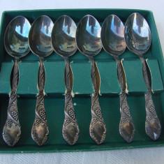 Argint, Tacamuri - Set de sase lingurite din alpacca decorate cu ciorchini de struguri