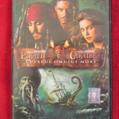 PIRATII DIN CARAIBE 2 - CUFARUL OMULUI MORT (film DVD original, CA NOU!!!) - Film actiune disney pictures, Romana