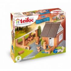 LEGO Technic - Set de constructie din caramizi Ferma Teifoc