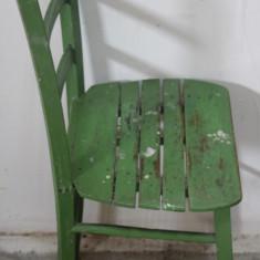 Mobilier - Scaun din lemn masiv cu spatar