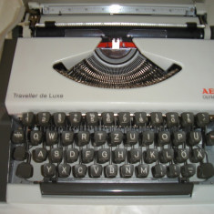 Masina de scris AEG OLIMPIA Traveller de Luxe
