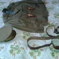 TINUTA MILITARA DIN PERIOADA COMUNISTA - Uniforma militara, Marime: 58, Culoare: Verde