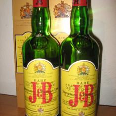 2 sticle, whisky J % B cl. 75 gr. 40 ani 60/70 anidro 30%