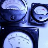 Aparat de masura - Un lot de 3 aparat masura radio vechi etc anii 50 functionale