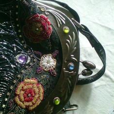 Geanta de dama american cu motive decorative in stare noua - Geanta Dama American Retro, Culoare: Negru, Marime: Mare
