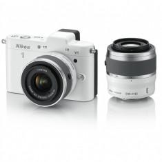 Nikon1 V1 alb kit - Nikkor1 10-30mm f/3.5-5.6 + Nikkor 1 30-110mm f/3.5-5.6 - Aparat Foto Mirrorless Nikon