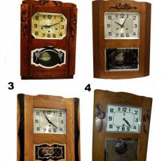 Set 4 ceasuri antice cu pendula la un super pret