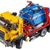 Camion cu container (42024) - LEGO Cars