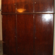 Sifonier cu suprapozabil, din panel si lemn masiv; Dulap de haine