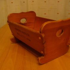 Joc colectie - Pat, patut vechi 1979, din lemn.pt. papusa, joc vechi, jucarie veche de colectie