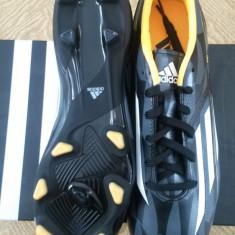 Ghete Fotbal Adidas F10, Marime: 41, Culoare: Negru
