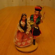 Jucarie de colectie - Papusa, papusi vechi de colectie, joc vechi, jucarie, costum popular traditional