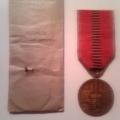 Medalii Romania - Medalia Cruciada Impotriva Comunismului 1941 cu panglica si plicul original !!
