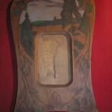 Art nouveau, rama lucrata manual din lemn pictat original.