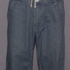 Pantaloni scurti barbati TOPMAN marimea W32 culoarea bleumarin cu dungi - Pantaloni barbati Top Man, Bumbac