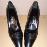 Pantofi negri piele Salvatore Ferragamo
