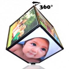 Ramă foto cub rotativ