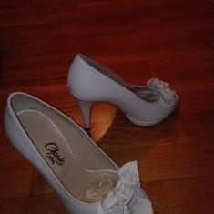 Pantofi dama - Pantofi de piele albi, mireasa sau diferite ocazii, marca GUBAN