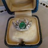 DELICAT SI DEOSEBIT INEL AUR ALB 14KT-CU DIAMANTE SI SMARALD- - Inel diamant