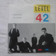Level 42 – Lessons In Love - vinyl 7'', Germania synth-pop - Muzica Dance Altele, VINIL