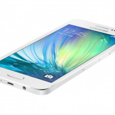 Telefon Samsung - Telefon mobil Samsung Galaxy A3 16GB Dual SIM, alb