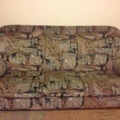 Set canapea extensibila trei locuri + doua fotolii