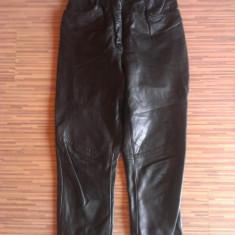 Pantaloni piele naturala, ieftini. - Pantaloni dama, Marime: M, Culoare: Negru, Lungi