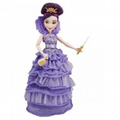 Papusa Disney Descendants in Tinuta de Incoronare Mal Hasbro