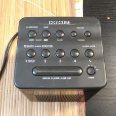 Aparat radio Sony, Digital - Radio cu ceas si alarma Sony Digicube Model ICF-C103L
