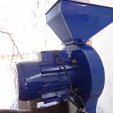 Moara cu ciocanele / Uruitoare pt cereale / stuleti, moror 2.5 kW