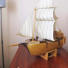 Macheta Navala - Corabie artizanala din lemn 50cm lungime cu suport inclus 199 RON