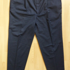 Pantaloni XXXL - Pantaloni gala; marime 63: 125 cm talie, 116 cm lungime, 81 cm crac etc.; ca noi