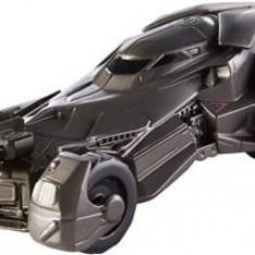 Jucarie Batman V Superman Vehicle Batmobile Speed Strike - Masinuta electrica copii Mattel